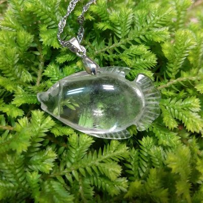 9534 天然綠幽靈項鏈 年年有魚 幽靈水晶 附一般銀鍊 可愛小魚 主石高19.7mm/寬33.7mm/厚11mm