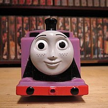 【 金王記拍寶網 】早期湯瑪士小火車 愛密利 軟膠玩具 純懷舊素材擺件 一面 罕見稀少 一件