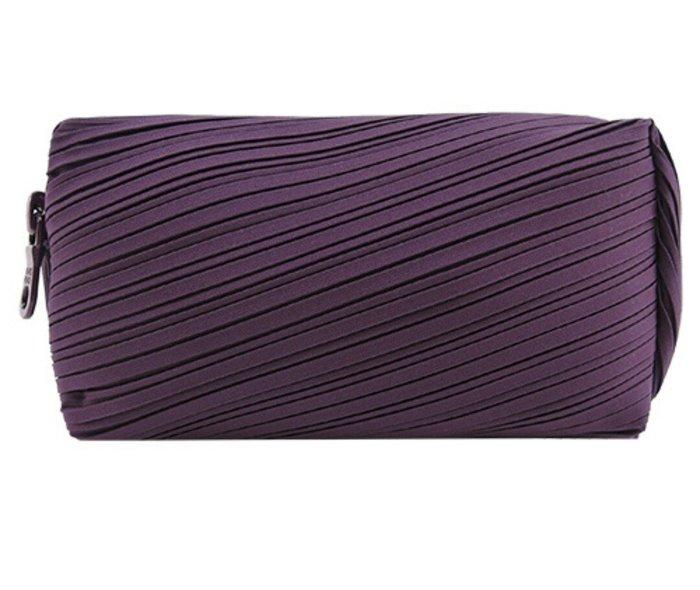 天使熊雜貨小舖~ISSEY MIYAKI三宅一生PLEATS PLEASE BIAS素面寬版化妝包(紫色) 全新現貨