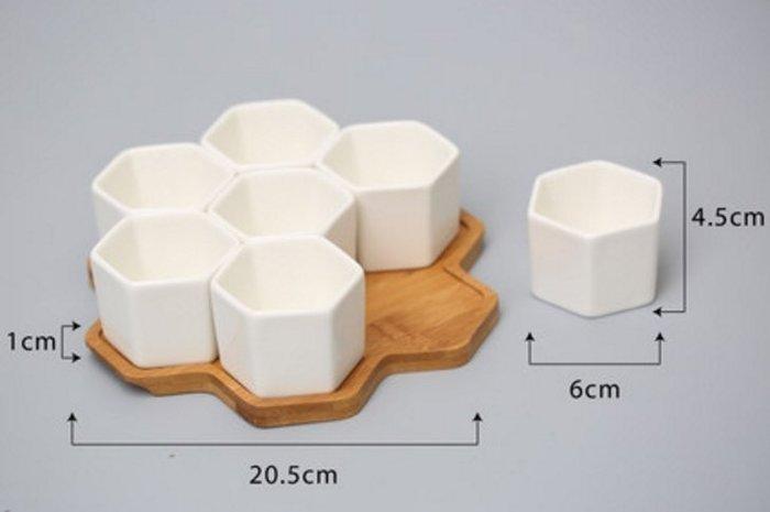 《新款$720》多肉植物白陶瓷花盆 7個六邊型陶瓷+竹托 簡約款式 辦公桌多肉花盆 家居小擺設
