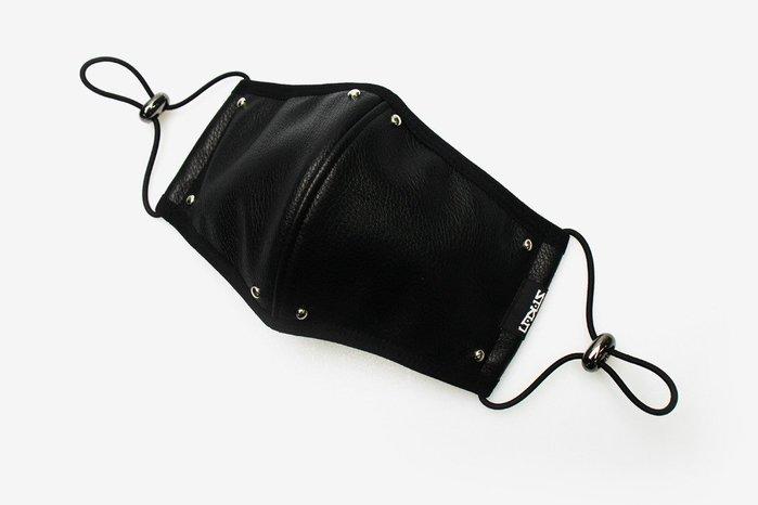 【Easy GO 韓國潮牌代購】SAKUN - 釘扣造型仿皮立體口罩/面罩
