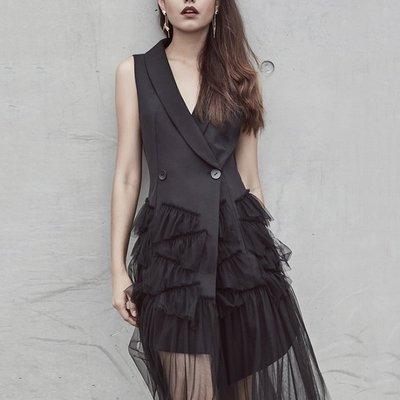 小魔女 獨家新款 性感 時尚 名媛 氣質 優雅 V領鏤空 大牌 拼接網紗無袖連身裙 雙排扣風衣洋裝 個性設計 小禮服