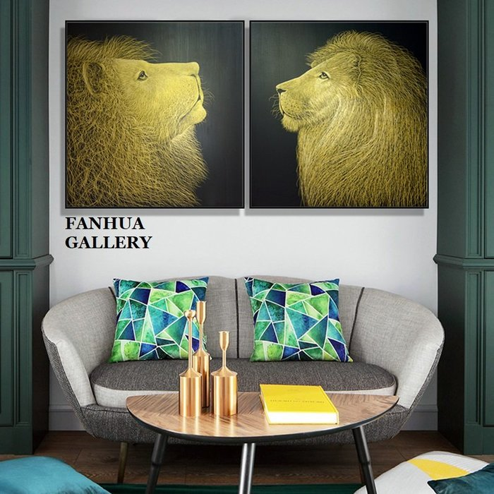 C - R - A - Z - Y - T - O - W - N 金色獅子王裝飾畫動物藝術版畫現代時尚掛畫辦公室雙聯畫