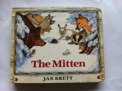 The Mitten_Jan Brett 汪培珽書單 二手英文童書