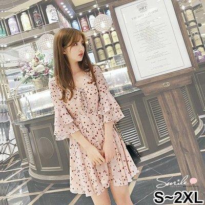 【V2407】SMILE-花漾女孩.碎花V領綁帶雙層喇叭袖洋裝