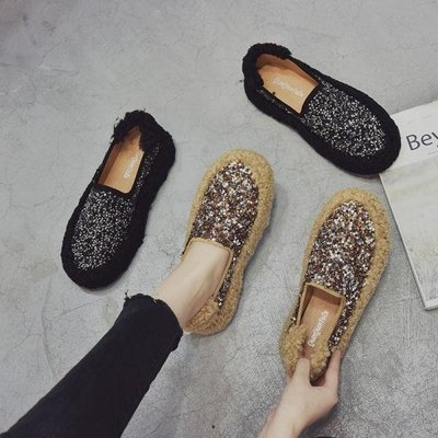 【蘑菇小隊】亮片毛毛鞋女新款韓版平底百搭豆豆鞋外穿水鉆瓢鞋女加絨棉鞋-免運費