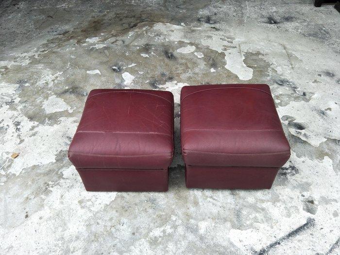 【安鑫】土城二手傢俱~胡桃色皮沙發矮凳 靠腳椅 休閒椅 沙發椅 兒童椅~【A511】