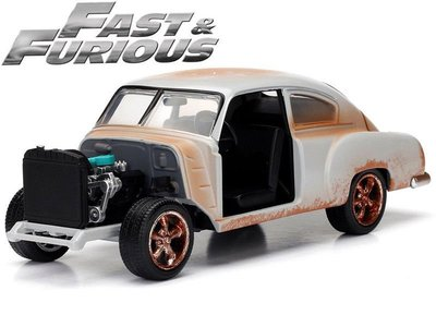 (I LOVE 樂多) 日本進口 玩命關頭8 Dom's 1951 Chevy Fleetline 1:24 合金模型車
