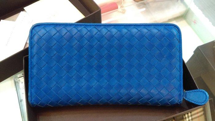 布蘭斯名牌館*專櫃真品Bottega Veneta (BV限量雙色 ㄇ字型拉鍊長夾寶藍雙色/ 實品拍攝現貨附購買證明