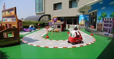 @瑞寶旅遊@親子飯店~台中港酒店【雅緻雙人房】含早餐+FUN世界(兒童遊戲室)『還有限量升等家庭房』也有長榮、永豐棧