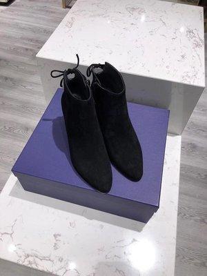 《巴黎拜金女》Stuart Weitzman經典款 Lofty粗跟後系帶踝靴
