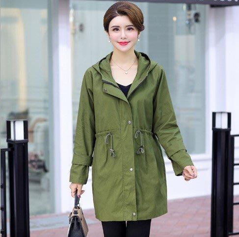 現貨媽媽裝中老年外套加肥加大外套風衣中老年夾克衫中老年女裝大尺碼外套