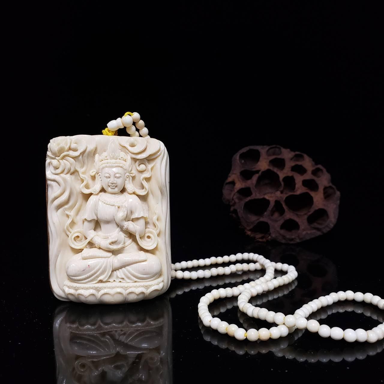 666精品~收藏珍品長毛象牙(非保育類) 精雕 【觀音大士】原皮面雕 項鍊珠子也是牙質,品項完美 雕工精作 (一元起標)
