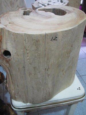 尋寶---台灣檜木椅---高40公分面寬37--43公分--編12