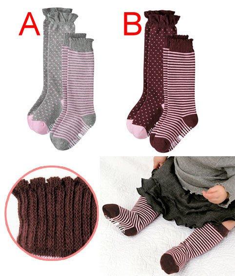 【瑜瑜小屋】百搭《點點條紋款》中統襪((二枚組)) (W-3)