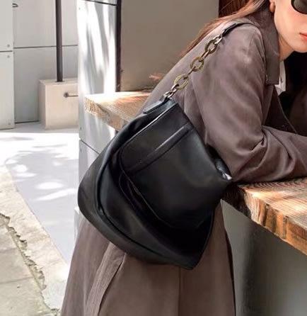SeyeS  韓系基本款歐美粗鍊翻蓋馬鞍肩背包