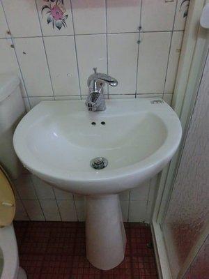 東城浴室整修.洗臉盆  面盆 破裂換新  更換.換裝、改造、翻修、 完工圖片