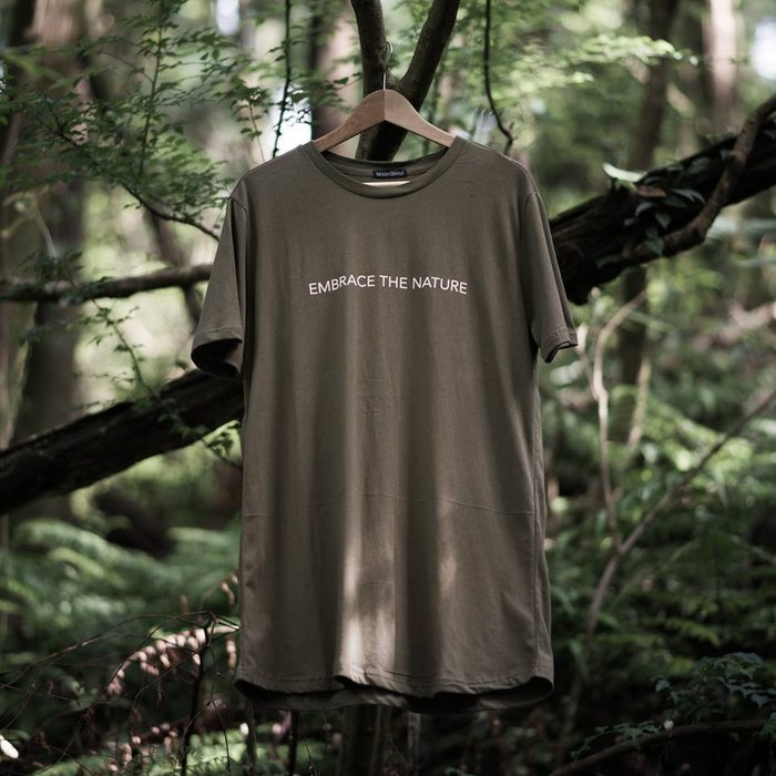 { POISON } MOONBLIND EMBRACE THE NATURE TEE 長版TEE 軍綠