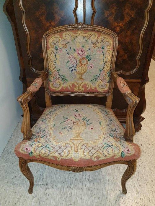 【卡卡頌 歐洲跳蚤市場/歐洲古董】※活動特價※法國 胡桃木雕刻 路易十五 粉紅玫瑰 寬版針織 十字繡扶手椅ch0320✬