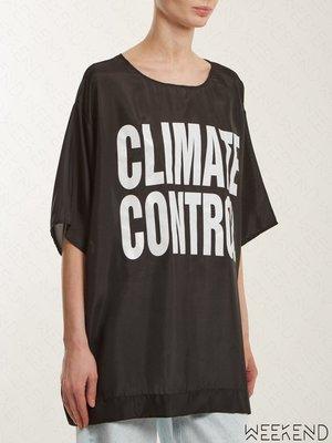 【WEEKEND】 KATHARINE HAMNETT LONDON Climate Control 緞面 T恤 黑色