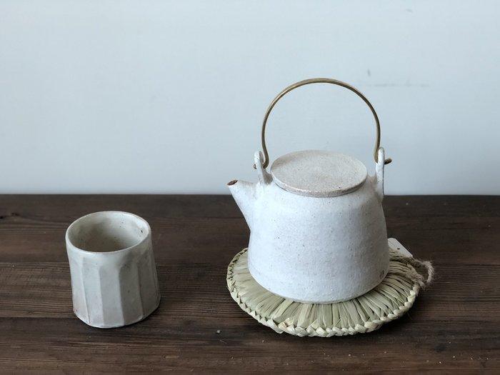 發現花園 日本選物 - 日本製  手工編織  天然草  可掛式  隔熱墊 鍋墊~新潟小鍋敷