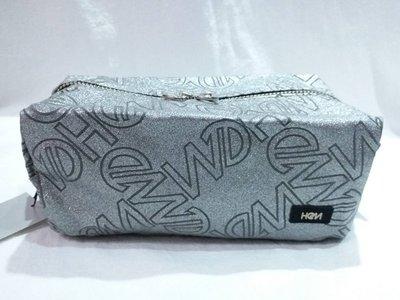 日本製♥HeM♥閃亮灰滿版LOGO化妝包/萬用包