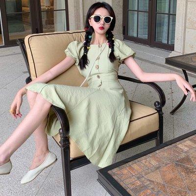 時尚女裙  夏季新款復古芥末薄荷牛油果綠色中長款可露肩單排扣高腰連衣裙女