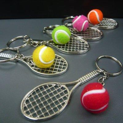 迷你綱球拍 長約8CM +彩色綱球 波直徑約 2CM 銀色鎖匙扣圈直徑約25MM Tennis keychain 5色揀