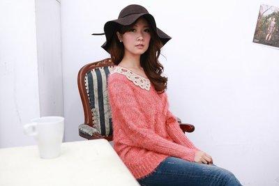 A little sugar 蕾絲領飛鼠袖設計款針織衫