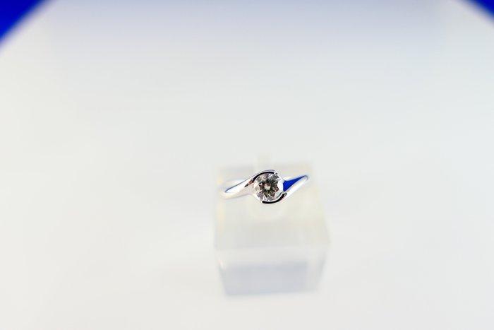[吉宏精品交流中心]50分 南非天然鑽石 白K金 八心八箭 戒指