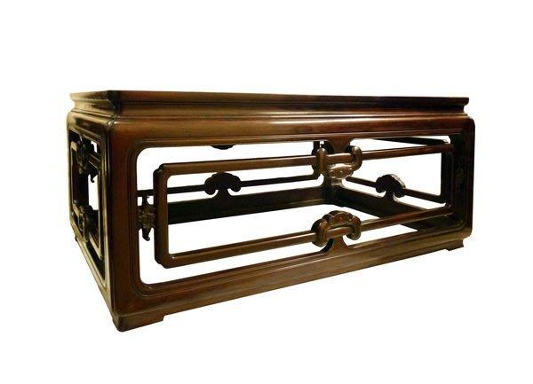 【景徽軒古傢俬】~~~ (近代) 老撾大紅酸枝(交趾黃檀) 雕如意紋大炕桌 咖啡桌  K975