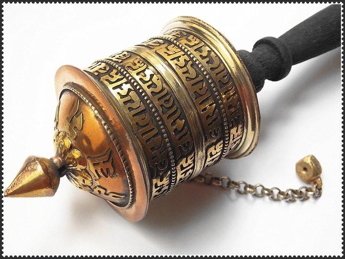 【雅之賞|藏傳|佛教文物】*特賣*尼泊爾手工純銅六字明咒手搖轉經筒~090502