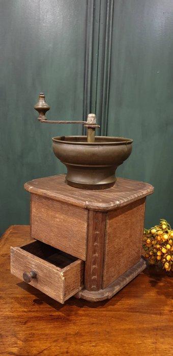 【卡卡頌 歐洲古董】法國老件  大尺寸  木雕刻  銅件  手搖 骨董  磨豆機     ss0604