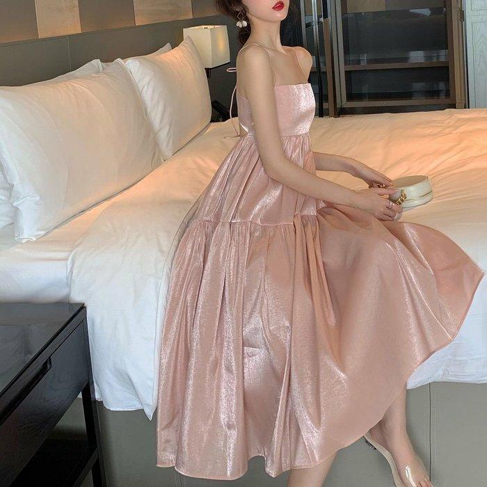 Qmi 2019夏季新款法式小眾氣質美背系帶蛋糕連衣裙