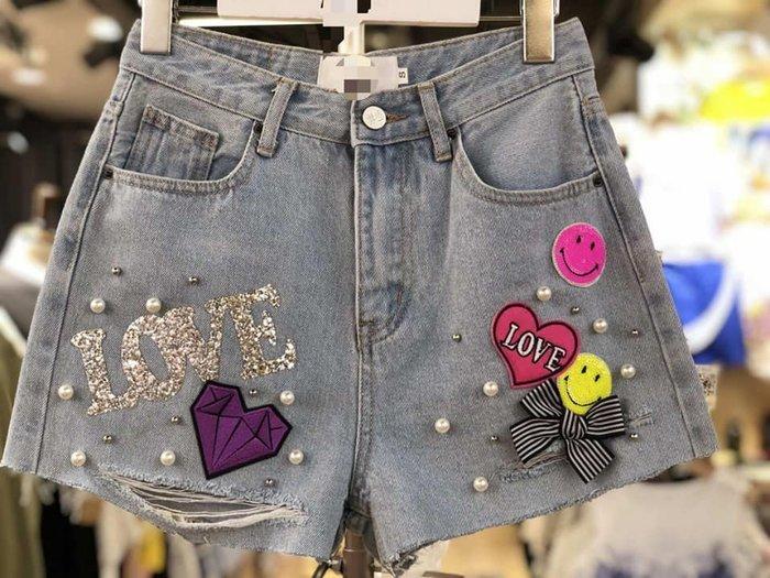 預購商品-超美必備 - 韓國正品 - G02-0026 亮蔥LOVE微笑牛仔短褲
