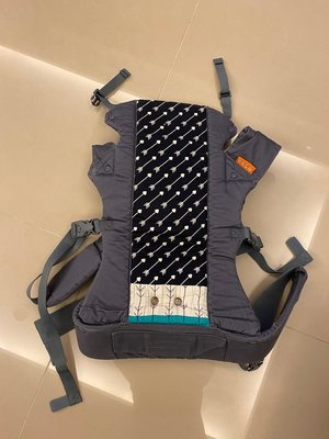 (9成新 現貨) 正品_美國Beco寶寶背巾