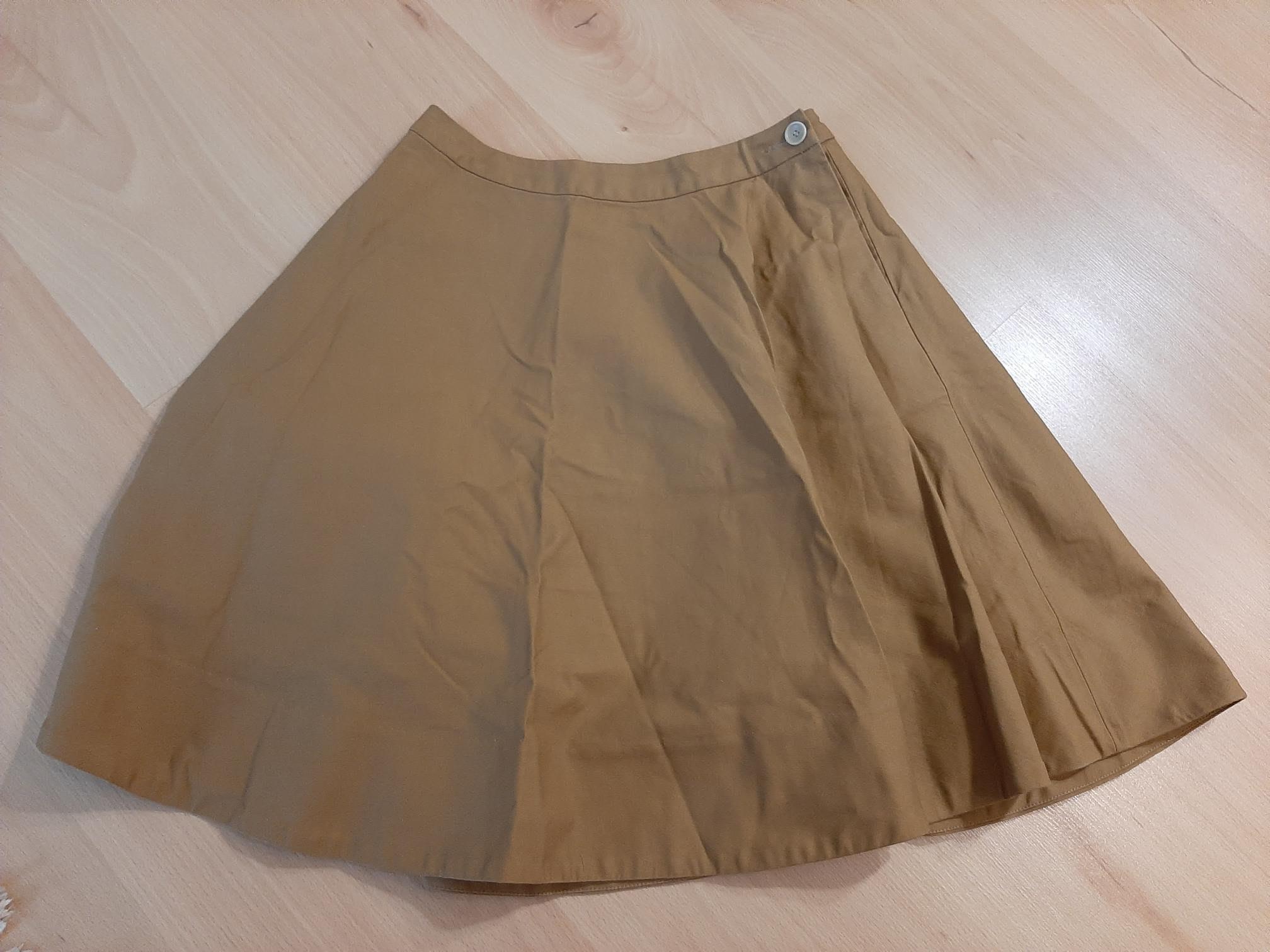 日本 Beams Boy 卡其色A字裙 1號(M~L) 九成近全新 價格含郵