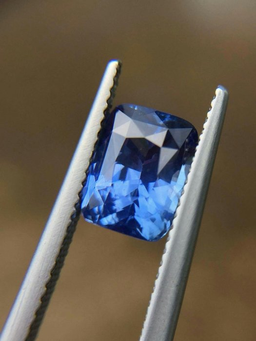 收藏級—3.59克拉無燒錫蘭vivid blue 藍寶石 [藍寶迷的家]