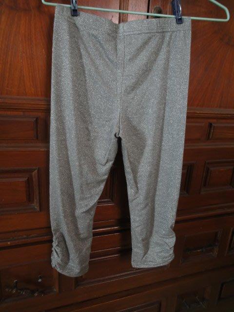 全新~灰色 金蔥 顯瘦內搭五分褲(免運)