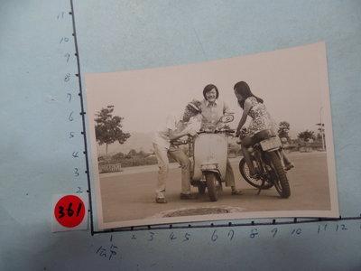老機車,偉士牌,摩托車,古董黑白,照片,相片3
