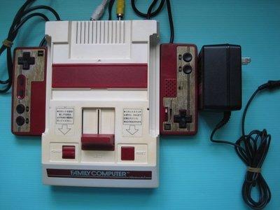 FC 原裝日製 紅白機原裝主機完整一組+原裝日製電源..保存良好