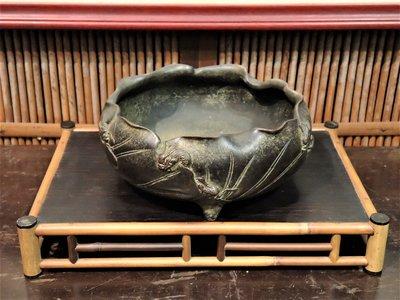 遊龍戲荷老銅爐