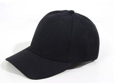 小黑 鴨舌帽穿搭  版帽 硬挺 簡單