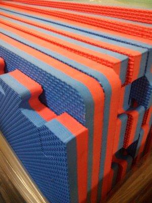 EVA運動墊100*100*2cm 直營價 組合墊ˋ拼裝墊ˋ安全墊ˋ禪坐墊ˋ柔道墊ˋ防撞墊