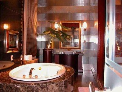 【悠遊網內湖店】假日不加價! 永和愛摩兒時尚旅館1,800元房型三小時休息券特惠價只要 1,150元
