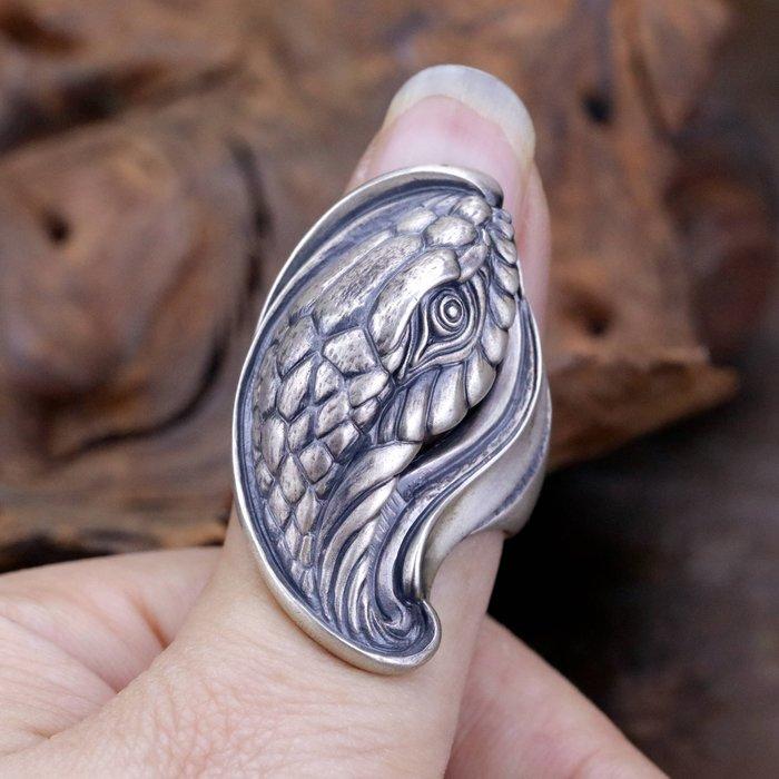 """【Silver Monsters】日本雕畫雙絕 Dual Flow 細緻雕工 """"大蛇"""" 手作啞光霧面戒指"""