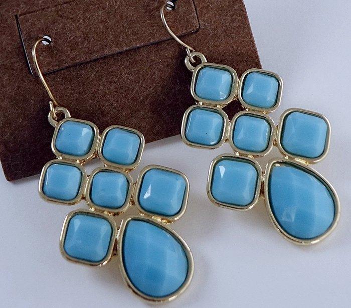 全新美國帶回 CAROLEE 1ST & GORGEOUS 藍色年輕華麗款垂墜穿式耳環,附原廠防塵袋禮盒!無底價免運費!