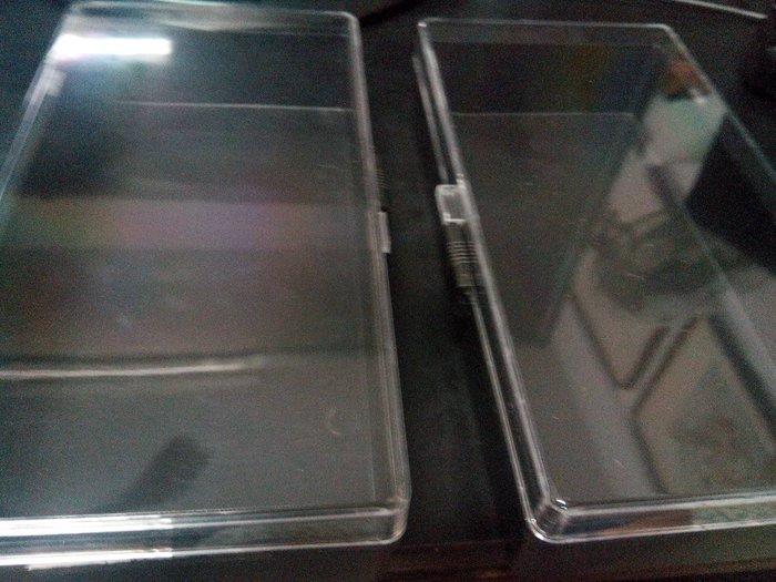 透明塑膠透明盒一個10元(可以當 鉛筆盒 放珠寶 耳環 項鍊 小東西 收藏 有安全開關)