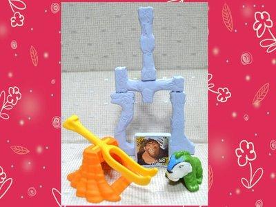 【小逸的髮寶】麥當勞2013年玩具~吃肉鸚鵡!