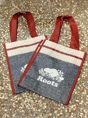 ~☆.•°莎莎~*~☆~~加拿大ROOTS 灰紅環保袋~現貨(中)